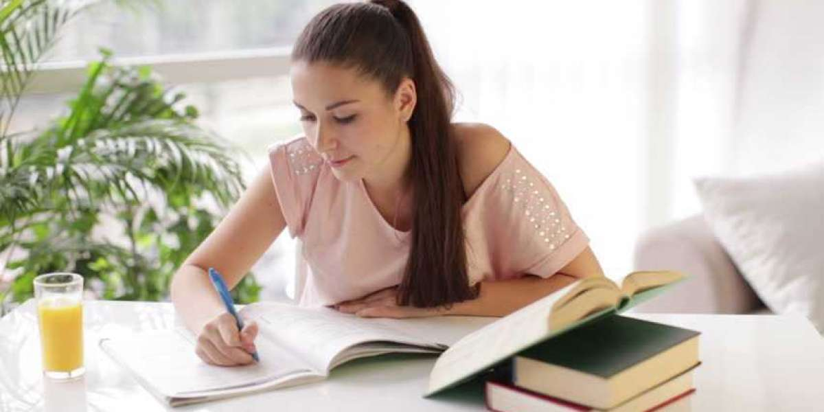 Five Important Points To Remember While Writing Your College Essay